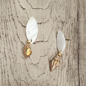 Mother of pearl gold stainless steel earrings